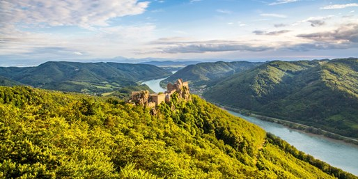 £1499pp -- All-Inc Luxury Danube Cruise & 3-Nt Prague Stay