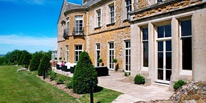 £139 -- 'Charming' Cotswolds Spa Hotel Stay w/Meals, 38% Off