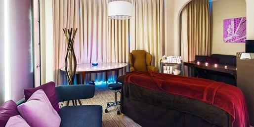 £35 -- 5-Star London Hotel: REN Massage or Facial, 56% Off