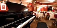£54 -- Dinner, Bubbly & Opera Experience for 2 in London