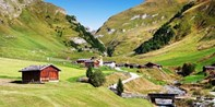 159 € -- Südtirol in neuen Zimmern mit Menüs & Golf, -43%