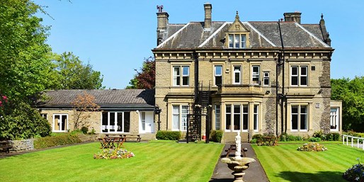 £79 -- West Yorkshire Country Manor Stay w/Dinner, Was £114