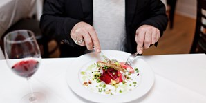 $40 -- Larchmont: Dinner w/Drinks in Craftsman-Style Cottage