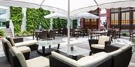 39 € -- Hilton Mainz: Grillbuffet auf der Terrasse & Drinks