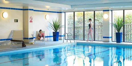 £35 -- Spa Day inc Massage & Facial nr Basingstoke, 60% Off