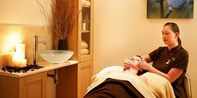 £35 -- Spa Day inc Massage & Facial nr Basingstoke, 57% Off