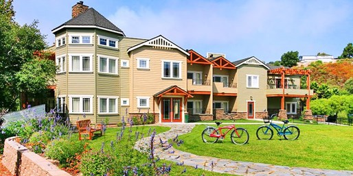 $199 -- 4th of July at Romantic Central Coast Hotel