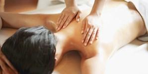 44 € -- Sommer-Wellness mit Wunschmassage am Altmarkt, -56%