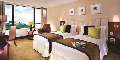 $990 -- 暑假雙人澳門皇都酒店住宿 送摩天輪+蝙蝠俠門票 另有連來回船飛套票