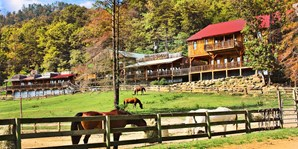 £239pp -- USA: 2-Night Dude-Ranch Break w/Horse Riding