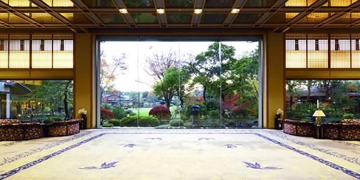 ¥12,960 -- 富士山を望む最上階客室×山梨グルメ1泊2食 露天付離れ1.9万も