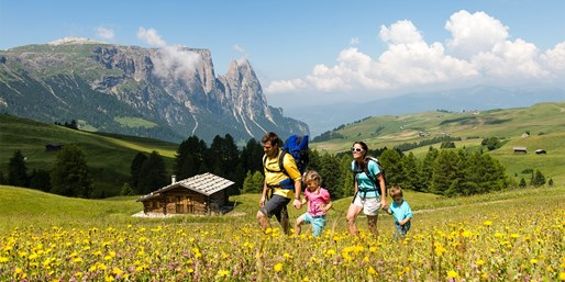 ab 884 € -- Dolomiten: Aktivurlaub & HP auf der Seiser Alm