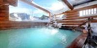 ¥6,800 -- 雲上の高原リゾート 万座温泉2食付 乳白色の星空露天 土曜同額も