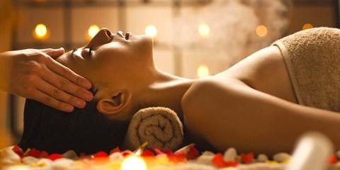 69€ -- Massage aux huiles chaudes & Hammam, -58%