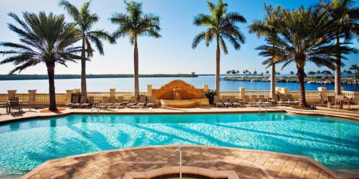 $129 -- Florida: 1-Bedroom Suite at Gulf Coast 4-Star Hotel