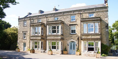 £119 -- Yorkshire Country-House Stay w/Dinner, Save 35%