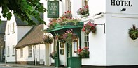 £149 -- Shropshire: Historic 2-Night Stay w/Bubbly, Was £285
