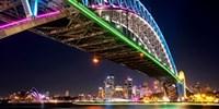 $38 -- Cruise Sydney Harbour during Vivid w/Dinner & Drink