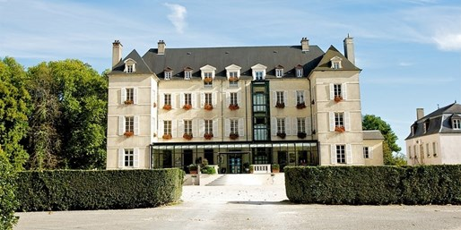 £86 -- France: Chateau Stay in Burgundy w/Wine Tour, 52% Off