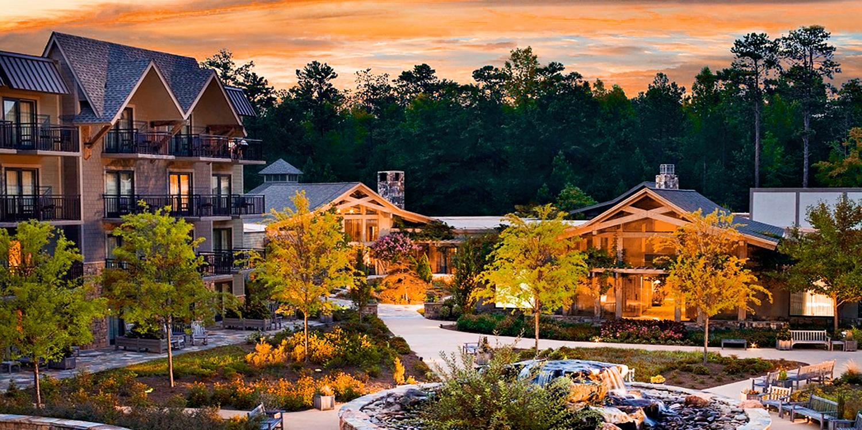 $159 -- Scenic Callaway Gardens Lodge w/Breakfast, Reg. $269