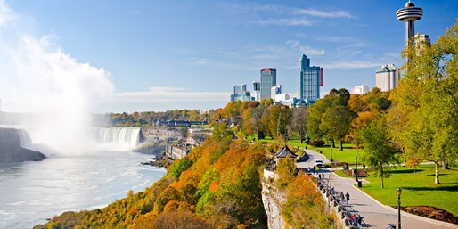 $65 -- Niagara Falls Hotel w/$170 in Dining & Casino Credits