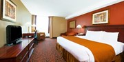 $65 -- Niagara Falls Hotel Stay with $150 in Extras