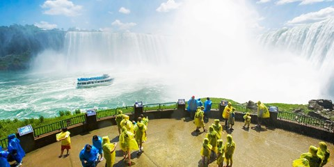 $65 -- Niagara Falls Stay w/$70 at Ruth's Chris Steak House