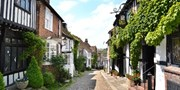 £139 -- Rye: Historic Inn Stay w/Meals, Save 31%