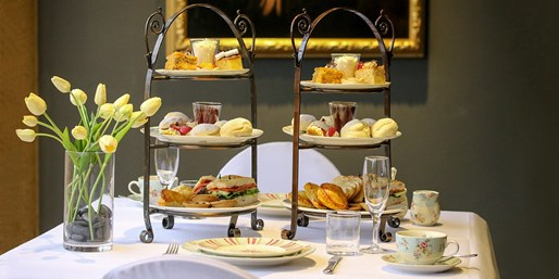$45 -- Adelaide: High Tea & Sparkling Wine for 2, Reg $72