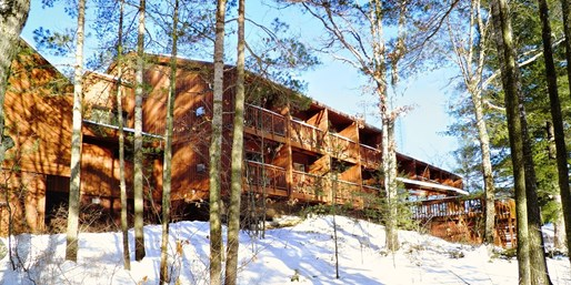 $199 -- Lakefront Kawartha Resort for 2 Nights, Reg. $378