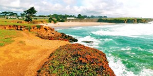 $149 -- Mendocino 2-Night Escape w/Beers and Apps, Save 50%
