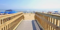 $99 -- Outer Banks Oceanfront Resort w/Breakfast
