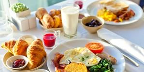 18 € -- Sektfrühstück am Rhein im Hilton Bonn, statt 25 €