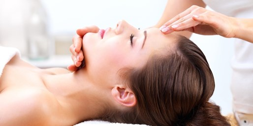 $45 -- 'Fantastic' Aveda Spa Facial in Pickering, Half Off