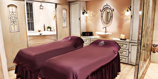 $38 -- 75-Minute Central Hong Kong Spa Treatment w/Facial