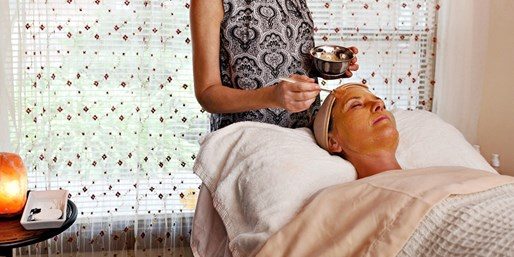 $99 -- Sonoma: Hot Stone Massage & Facial, Reg. $194
