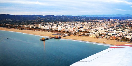 Private Flight Tours for 2 w/Bubbly & Lunch, over 55% Off