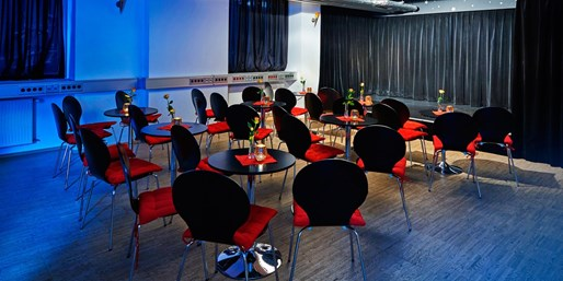 9 € -- Theaterabend im Galli Theater Frankfurt, -57%