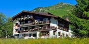 ab 294 € -- Arlberg: 4 Tage im 4*-Hotel mit HP & Wanderjause
