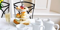 £29 -- Chipping Campden: Afternoon Tea & Champagne for 2