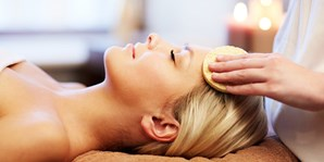 £39 -- Sheffield Spa Day for 2 inc Facial & Bubbly Each
