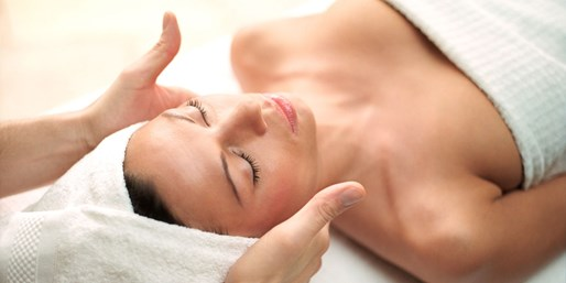 £39 -- Facial, Massage & Eye Treatment in Cardiff, Was £90
