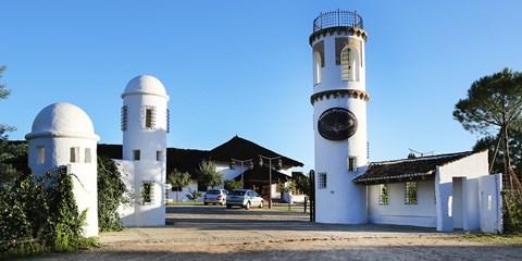 209€ -- 4 días con media pensión junto parque Doñana, -105€