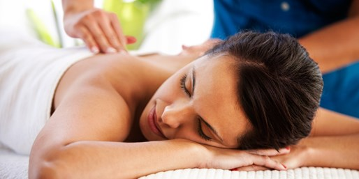 £24 -- Quayside Hotel: Elemis Massage or Facial, 33% Off