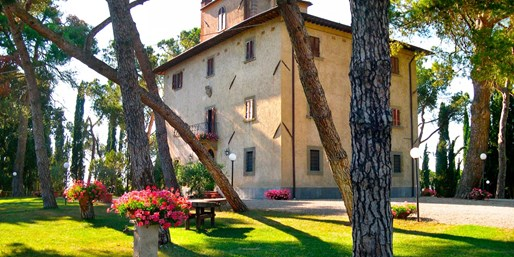 £86 -- Tuscany Hotel Stay w/Breakfast & Wine, 38% Off