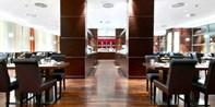 79 € -- Fischbuffet & Champagner für 2 im Hilton Köln, -33%