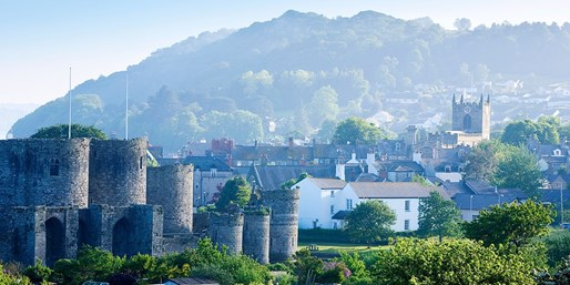 £99 -- Historic Anglesey Hotel Stay w/Dinner, 45% Off