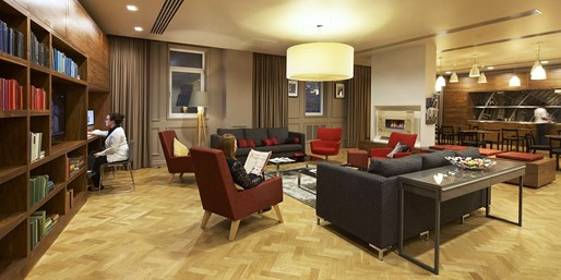 $156 -- Central London Apartment Stay w/Breakfast, Save 27%