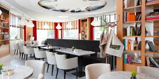 29 € -- Drei-Gang-Menü mit Getränk im Romanischen Café, -32%