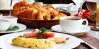 19 € -- Köstliches Frühstück mit Rührei im Waldorf Astoria